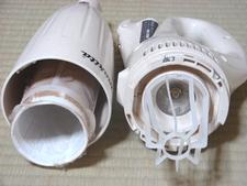 カプセル集塵式/奥はモーター