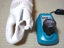 バッテリー in 充電器